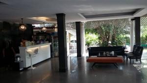 PRSホテルロビー